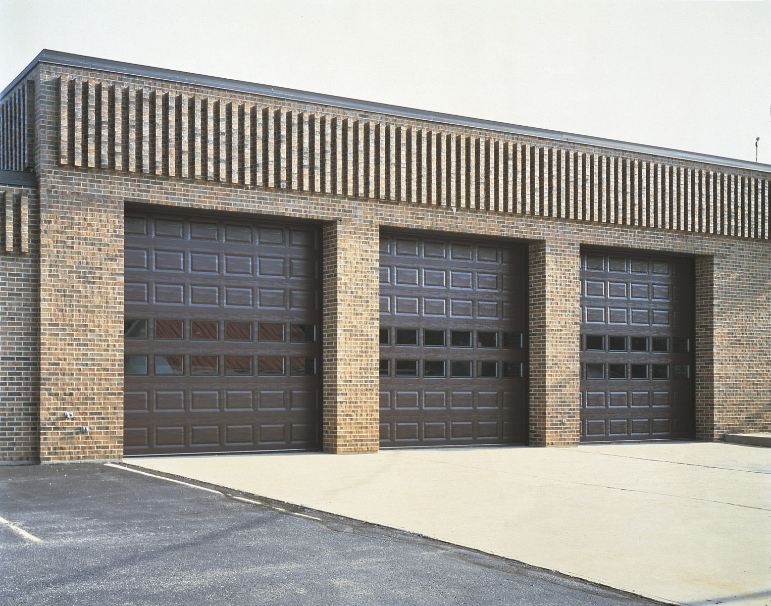 we provide clopay commercial garage doors